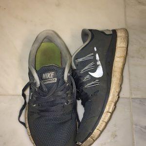 nike free 5.0 tennis shoes